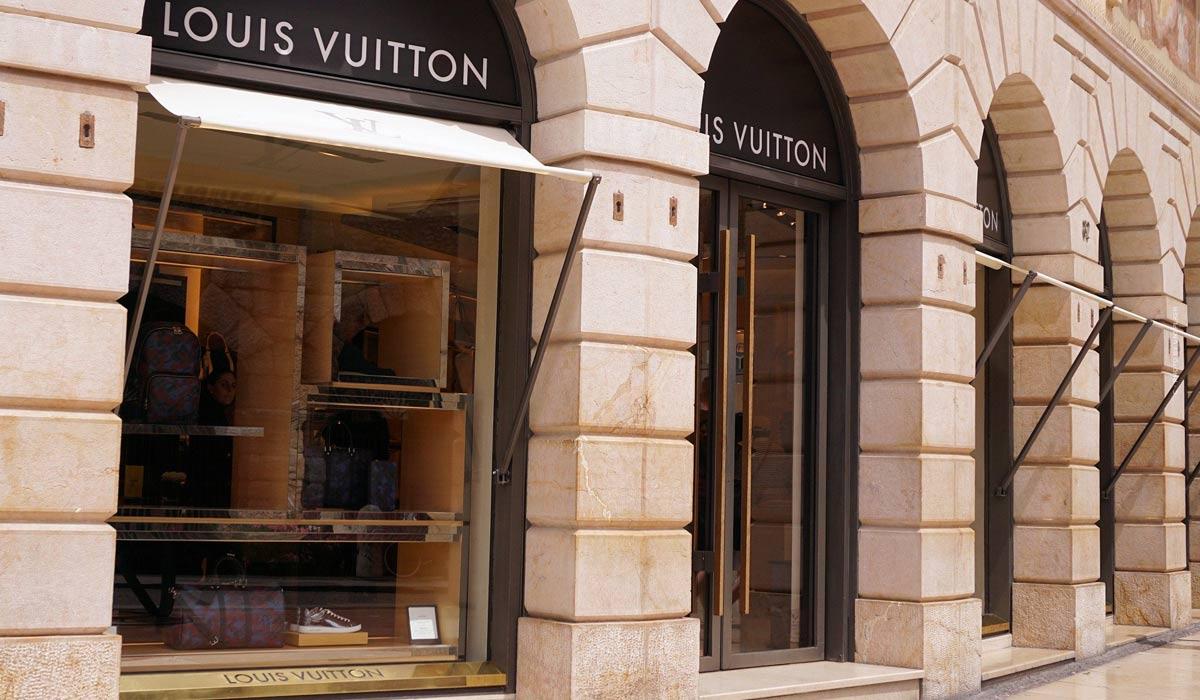 Top Videos of Louis Vuitton: Commercials, Catwalks & Backstage Footage